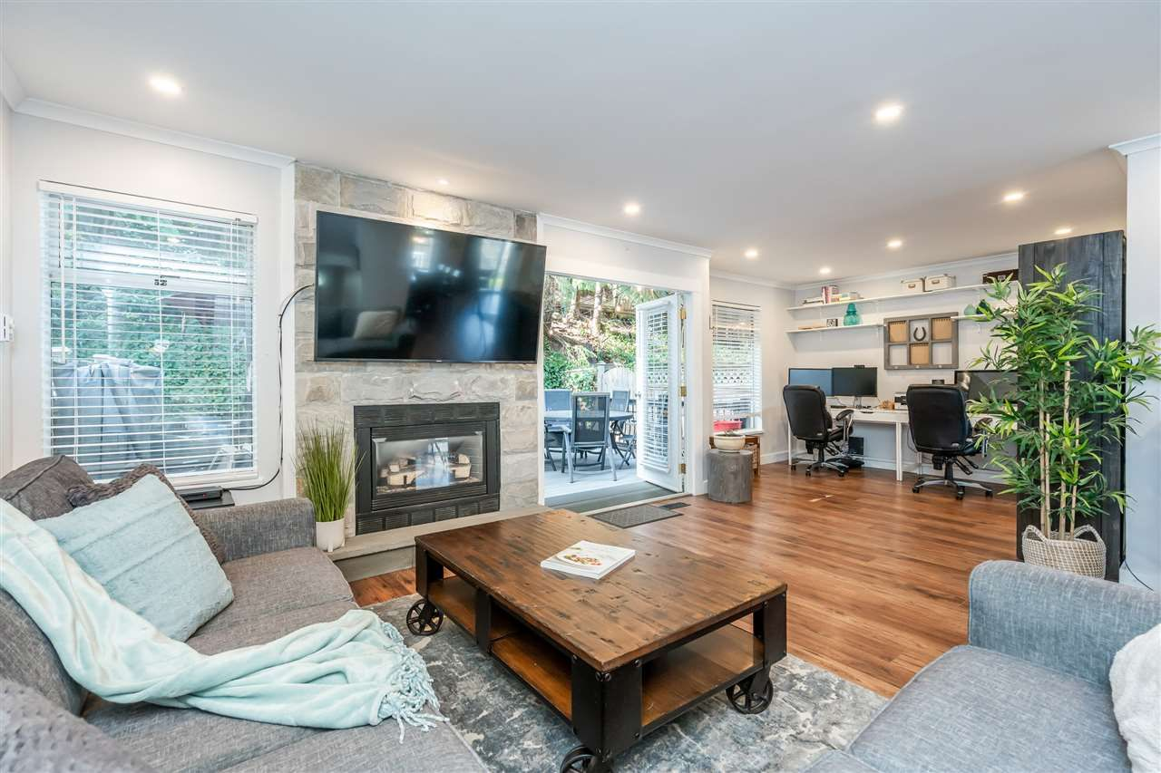"""Main Photo: 303 1180 FALCON Drive in Coquitlam: Eagle Ridge CQ Townhouse for sale in """"FALCON HEIGHTS"""" : MLS®# R2501001"""