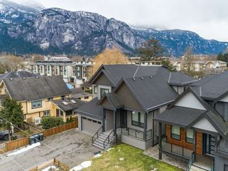 Photo 2: 1140 WILSON Crescent in Squamish: Dentville House for sale : MLS®# R2562396