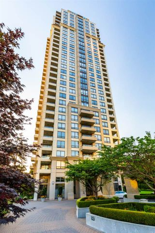 """Photo 1: 1402 4333 CENTRAL Boulevard in Burnaby: Metrotown Condo for sale in """"The Presidia by BOSA"""" (Burnaby South)  : MLS®# R2354805"""