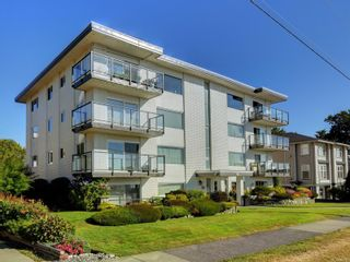 Photo 3: 402 1488 Dallas Rd in : Vi Fairfield West Condo for sale (Victoria)  : MLS®# 851745