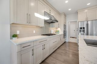 Photo 5: 69 Westpoint Way SW in Calgary: West Springs Detached for sale : MLS®# A1153567