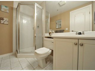 """Photo 14: 312 15272 20TH Avenue in Surrey: King George Corridor Condo for sale in """"Windsor Court"""" (South Surrey White Rock)  : MLS®# F1424168"""