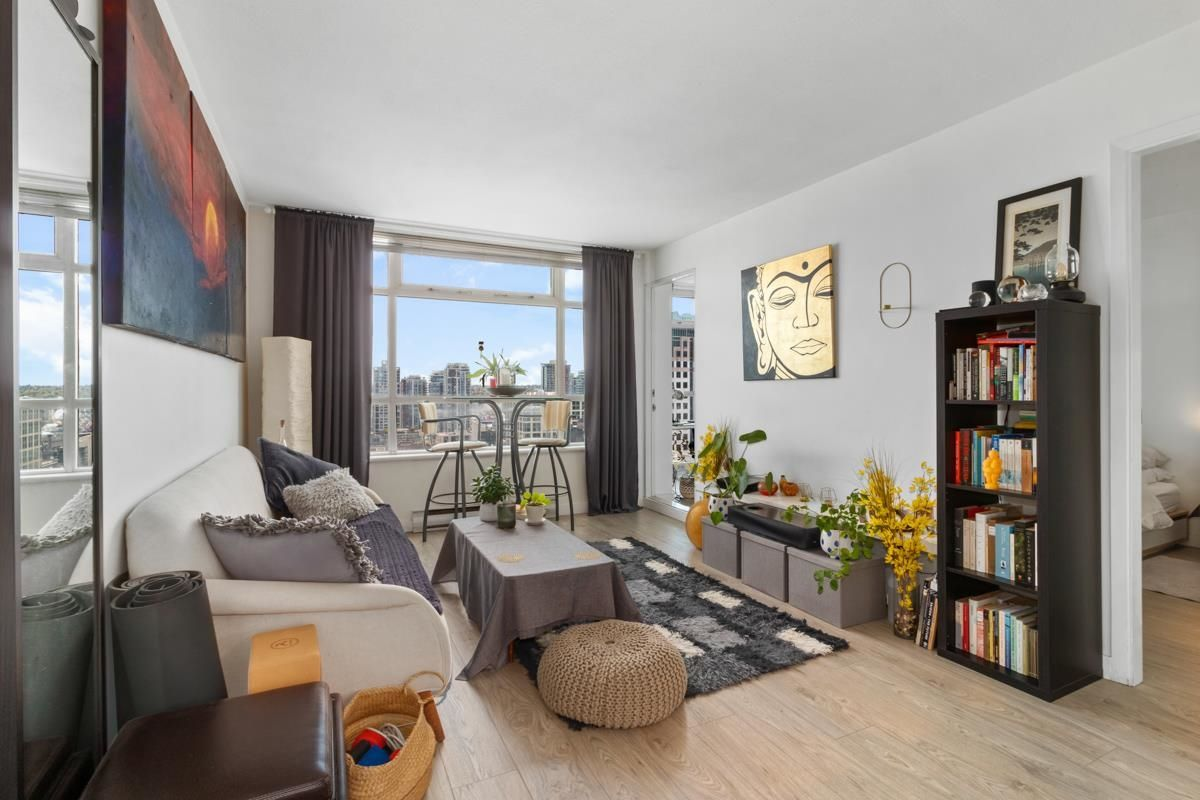 """Main Photo: 2208 438 SEYMOUR Street in Vancouver: Downtown VW Condo for sale in """"Conference Plaza"""" (Vancouver West)  : MLS®# R2610760"""
