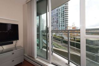 """Photo 12: 509 1018 CAMBIE Street in Vancouver: Yaletown Condo for sale in """"Marina Pointe - Waterworks"""" (Vancouver West)  : MLS®# R2122764"""