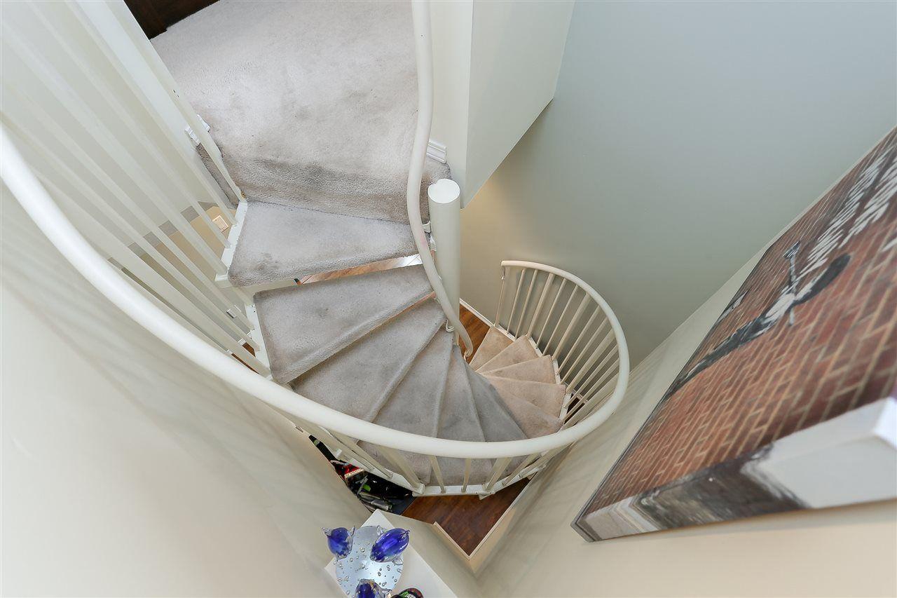 "Photo 16: Photos: 402 14355 103 Avenue in Surrey: Whalley Condo for sale in ""Claridge Court"" (North Surrey)  : MLS®# R2191413"