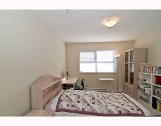 """Photo 9: 301 995 W 59th Ave in Vancouver: Marpole Condo for sale in """"Chruchill Gardens"""" (Vancouver West)  : MLS®# V812017"""