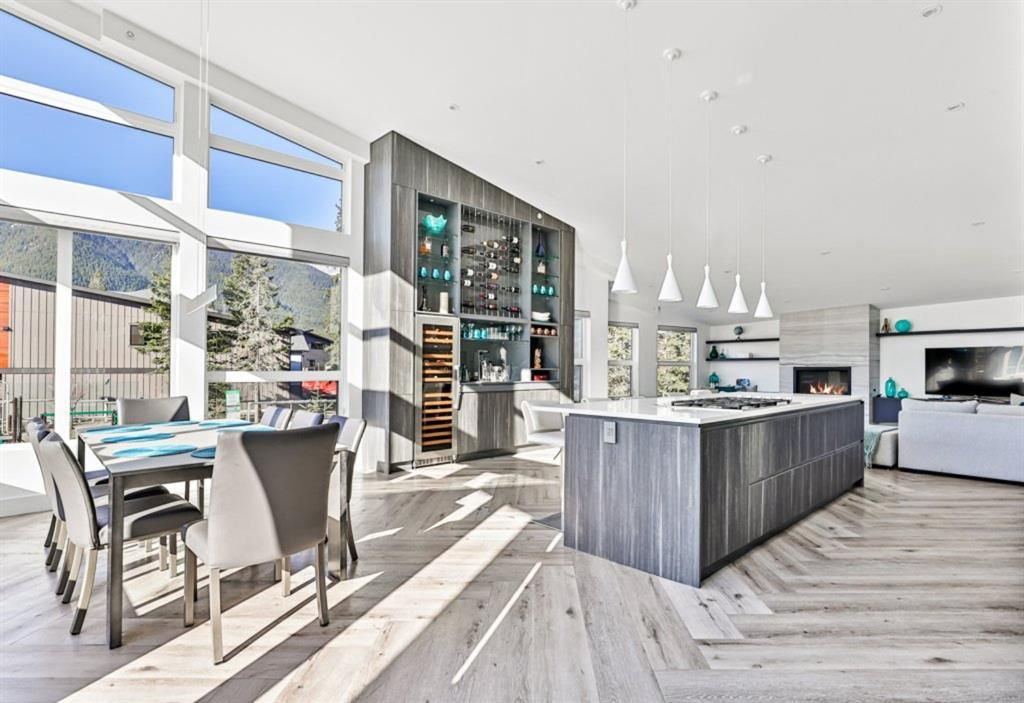 Dining, Kitchen & Living