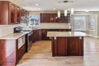 """Photo 10: 8220 PEACOCK Street in Mission: Mission BC House for sale in """"CHERRY HILL ESTATES"""" : MLS®# R2552916"""