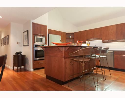 """Photo 3: Photos: 10 1019 GILFORD Street in Vancouver: West End VW Condo for sale in """"1019 GILFORD - GILFORD MEWS"""" (Vancouver West)  : MLS®# V774667"""