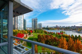 "Photo 13: 802 638 BEACH Crescent in Vancouver: Yaletown Condo for sale in ""ICON"" (Vancouver West)  : MLS®# R2511968"
