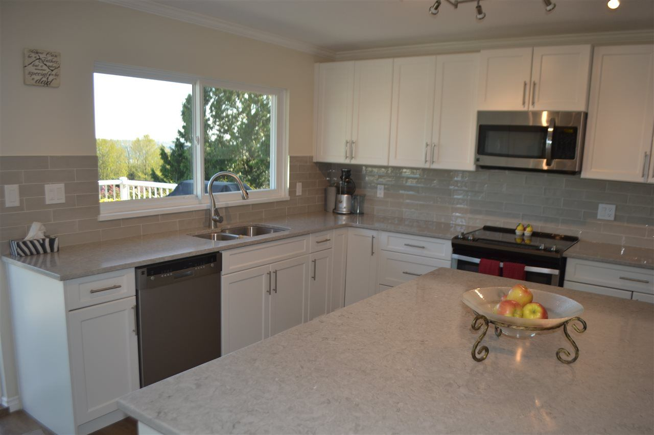 Photo 16: Photos: 455 CARIBOO Crescent in Coquitlam: Coquitlam East House for sale : MLS®# R2566684