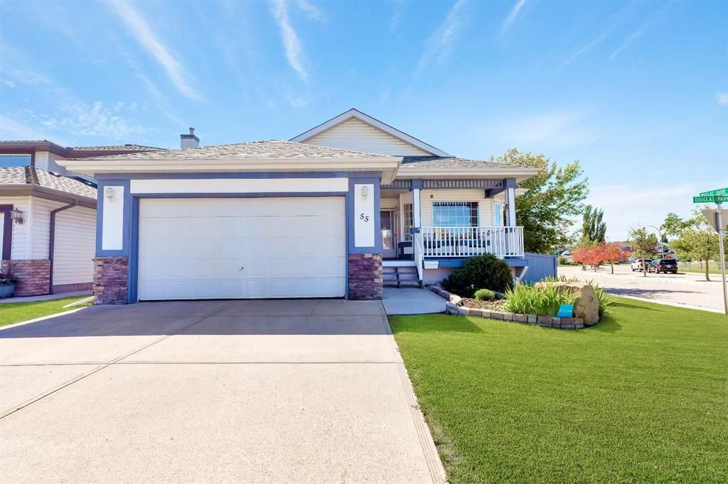 Main Photo: 55 DOUGLAS PARK Boulevard SE in Calgary: Douglasdale/Glen Detached for sale : MLS®# A1016130