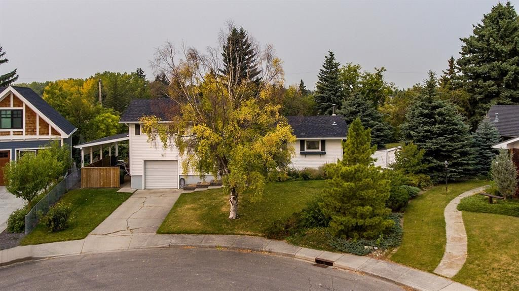 Main Photo: 25 Cambridge Place NW in Calgary: Cambrian Heights Detached for sale : MLS®# A1065160