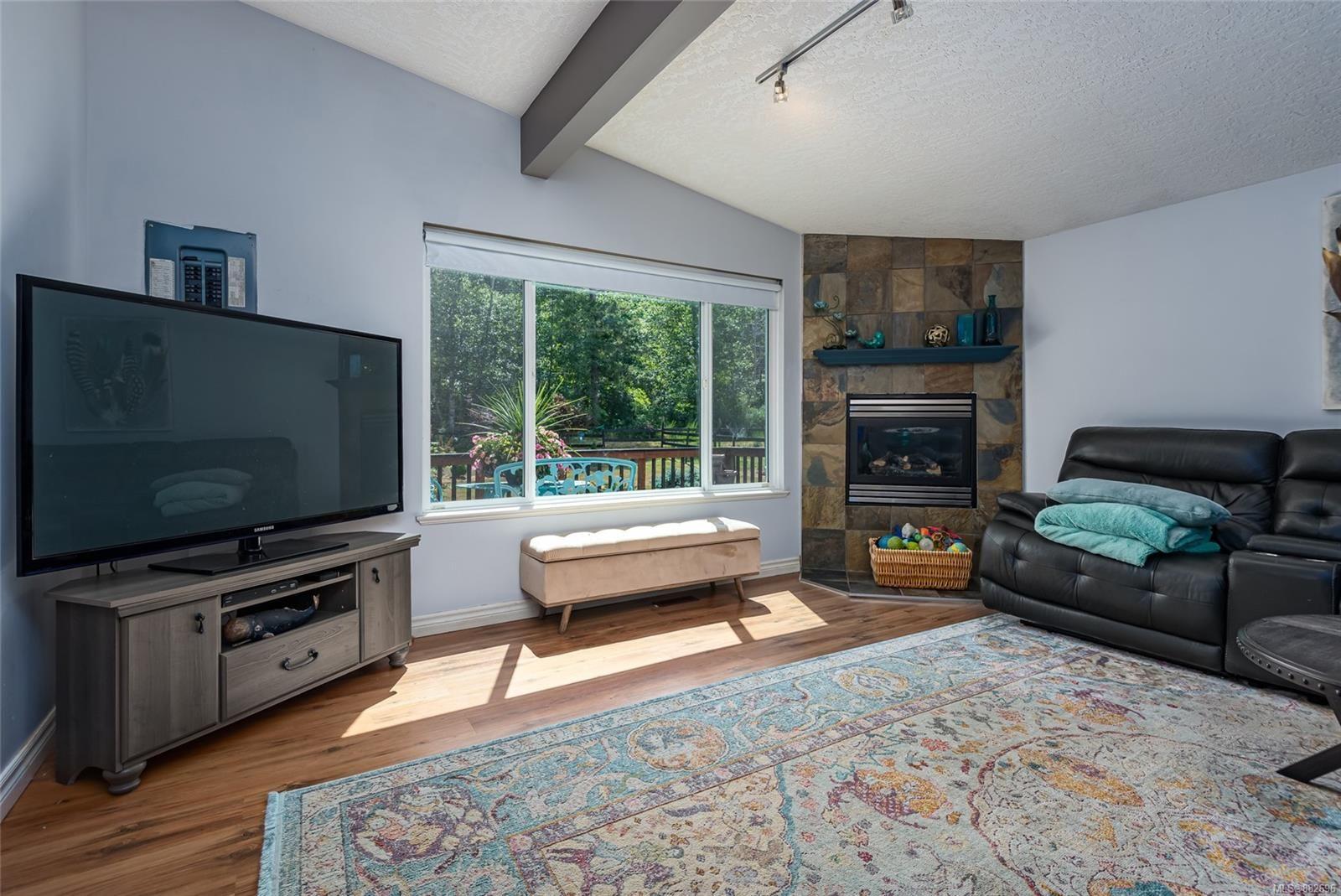 Photo 6: Photos: 3554 MacAulay Rd in : CV Merville Black Creek House for sale (Comox Valley)  : MLS®# 882696