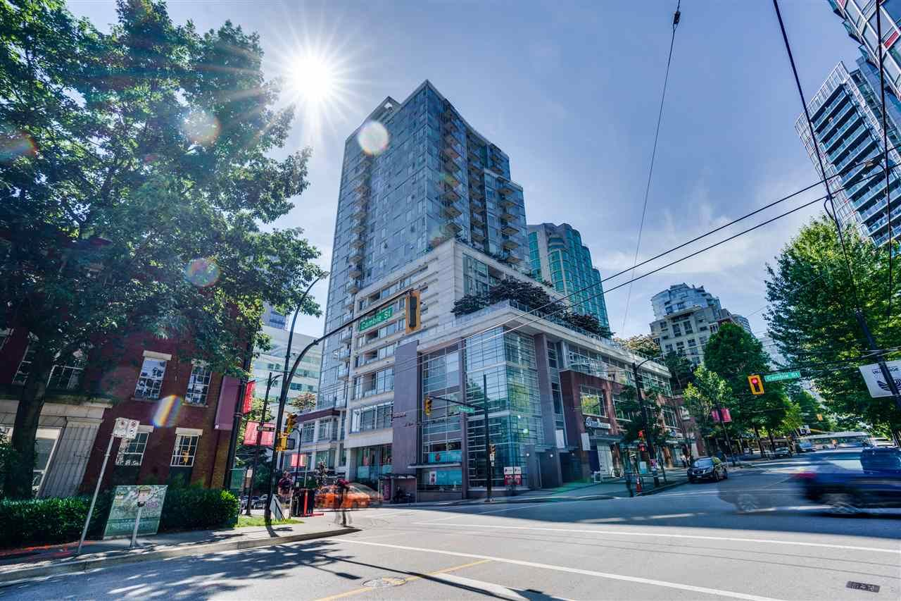 "Main Photo: 701 821 CAMBIE Street in Vancouver: Yaletown Condo for sale in ""Raffles on Robson"" (Vancouver West)  : MLS®# R2509308"