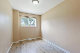 Photo 30: 2604 CHEROKEE Drive NW in Calgary: Charleswood Detached for sale : MLS®# A1019102