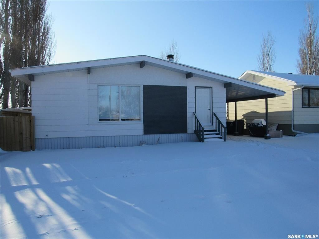 Main Photo: 419 2nd Avenue in Allan: Residential for sale : MLS®# SK842848