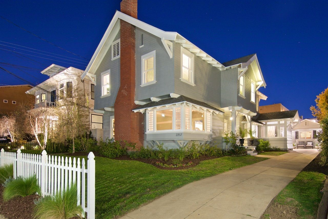 Main Photo: DOWNTOWN House for sale : 5 bedrooms : 2257 Front in San Diego