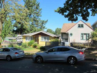 Photo 3: 2315 E 5TH Avenue in Vancouver: Grandview VE House for sale (Vancouver East)  : MLS®# R2200122