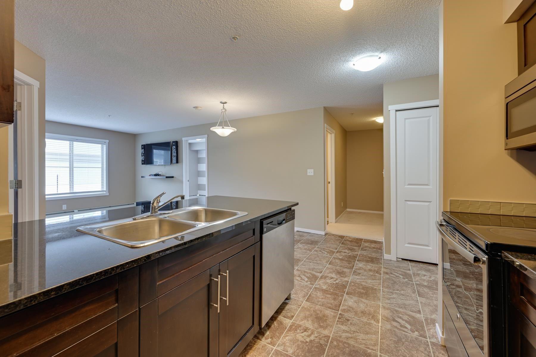 Main Photo: 113 111 Watt Common in Edmonton: Zone 53 Condo for sale : MLS®# E4246777