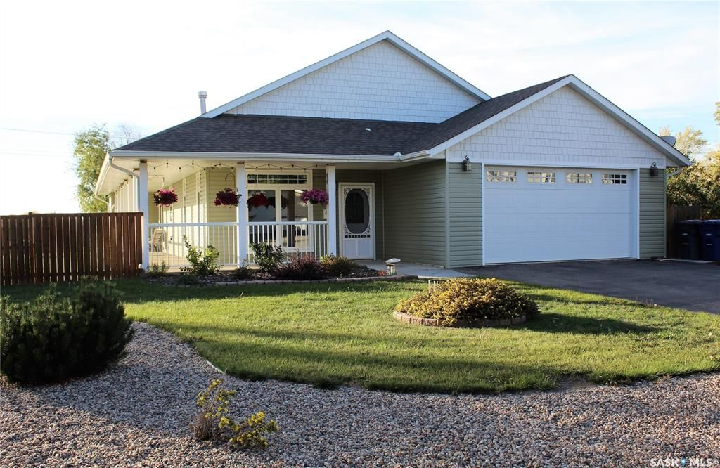 Main Photo: 413 5th Street West in Wilkie: Residential for sale : MLS®# SK871558