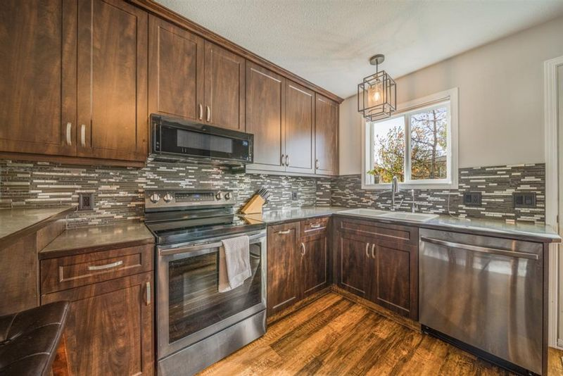FEATURED LISTING: 3319 28 Street Southeast Calgary