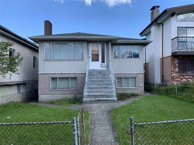 Main Photo: 531 E 18 Avenue in : Fraser VE House for sale (Vancouver East)  : MLS®# R2454047