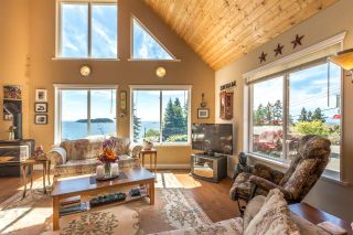 Photo 4: 7064 DALE Road in Sechelt: Sechelt District House for sale (Sunshine Coast)  : MLS®# R2065950