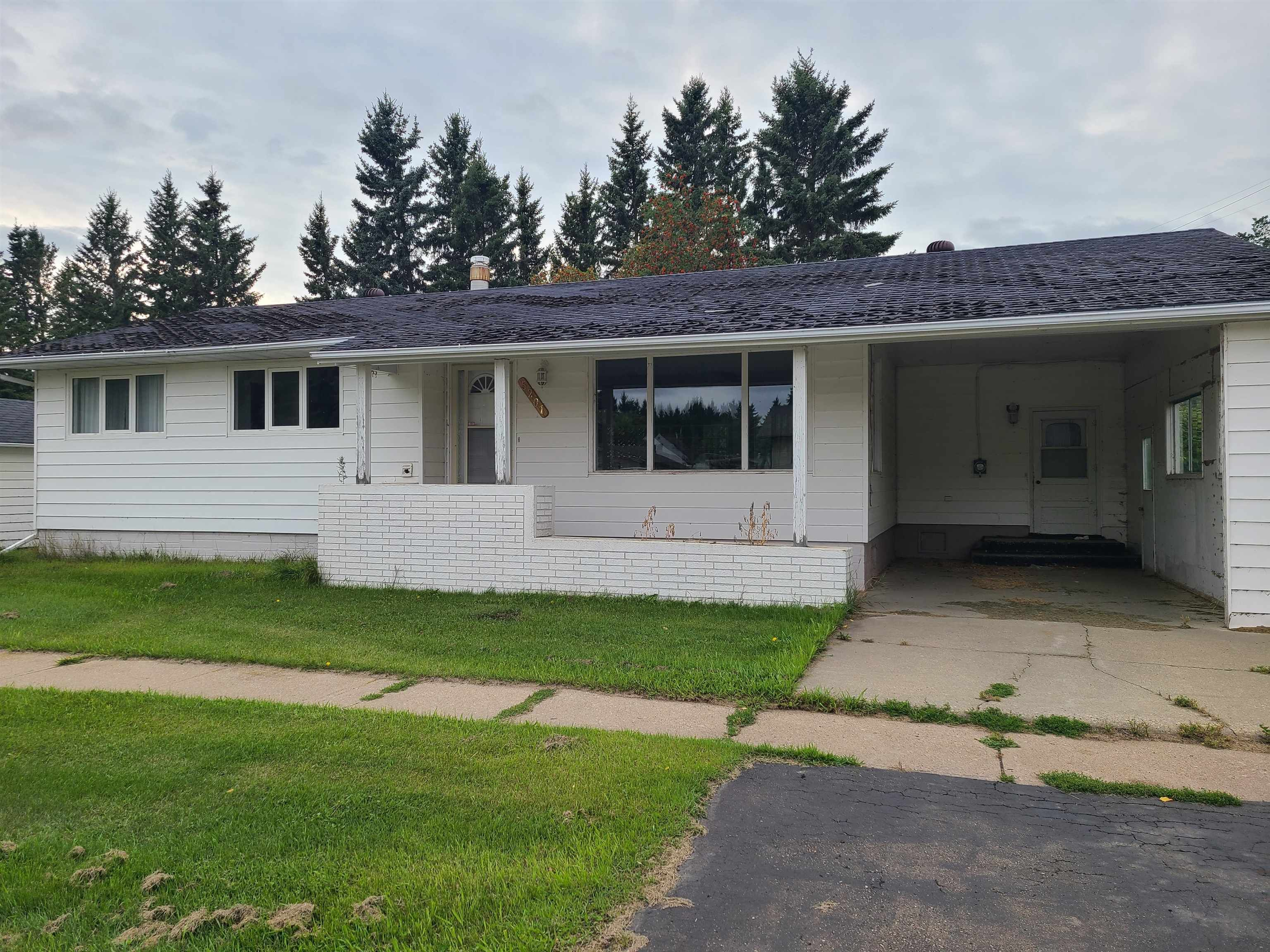 Main Photo: 5201 49A Avenue: Andrew House for sale : MLS®# E4262111