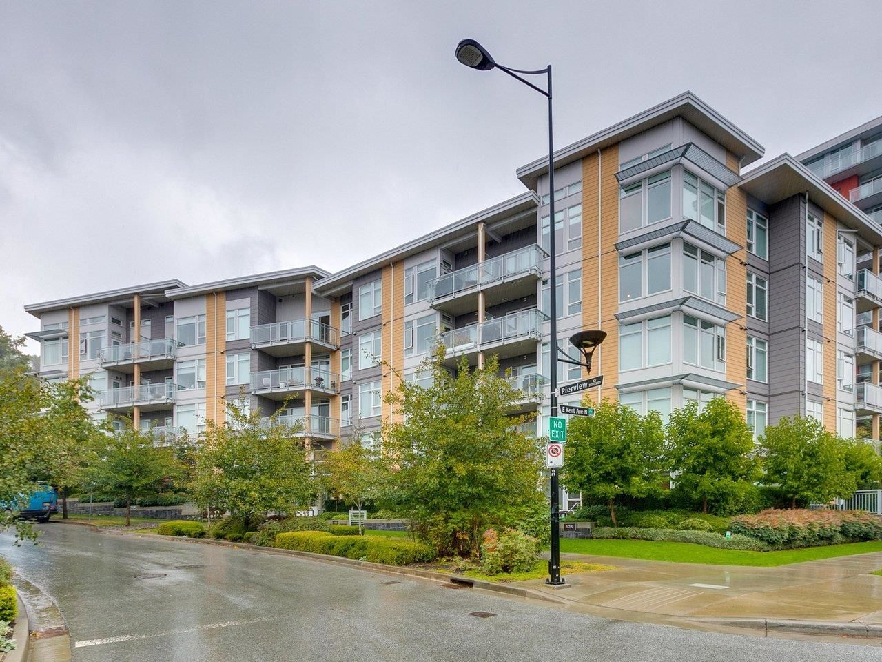 """Main Photo: 507 3263 PIERVIEW Crescent in Vancouver: South Marine Condo for sale in """"Rhythm"""" (Vancouver East)  : MLS®# R2619367"""