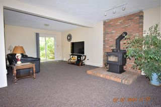 Photo 6: 2035 Bolt Ave in : CV Comox (Town of) House for sale (Comox Valley)  : MLS®# 881583