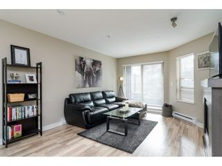 """Photo 3: 113 8915 202 Street in Langley: Walnut Grove Condo for sale in """"THE HAWTHORNE"""" : MLS®# R2444586"""
