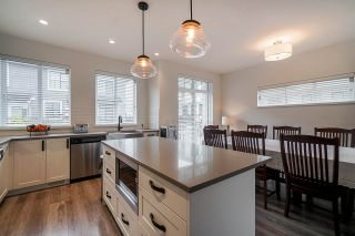 """Photo 2: 44 5945 176A Street in Surrey: Cloverdale BC Townhouse for sale in """"CRIMSON TOWN HOMES"""" (Cloverdale)  : MLS®# R2560814"""