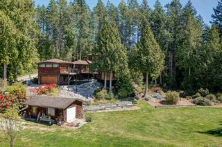 Photo 1: 3185 HUCKLEBERRY Road: Roberts Creek House for sale (Sunshine Coast)  : MLS®# R2571072