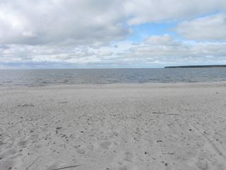 Photo 8: 34 Lakeview Drive in Victoria Beach: Sandy Bay Residential for sale (R27)