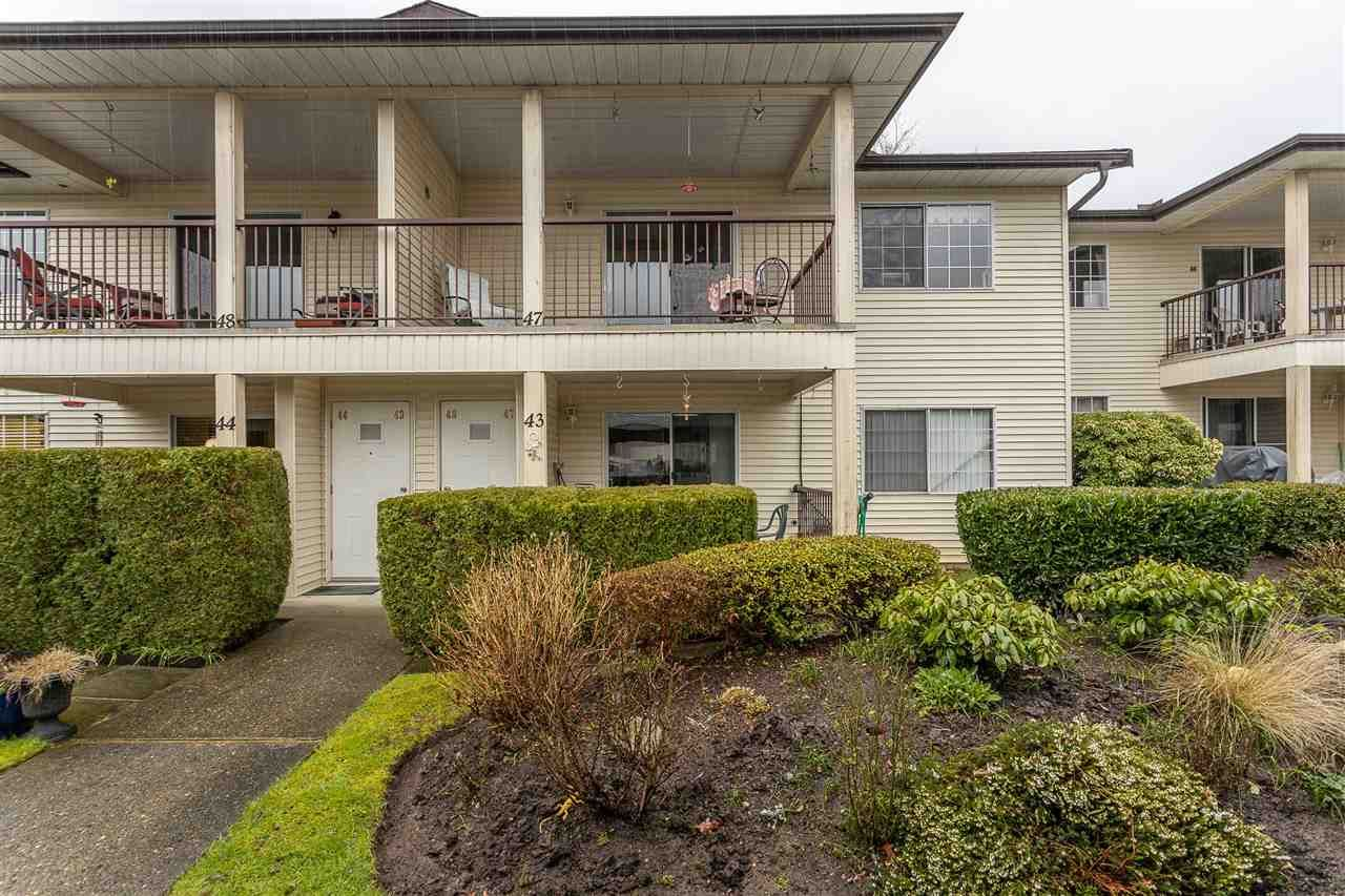 """Main Photo: 43 6467 197 Street in Langley: Willoughby Heights Townhouse for sale in """"Willow Estates"""" : MLS®# R2441134"""