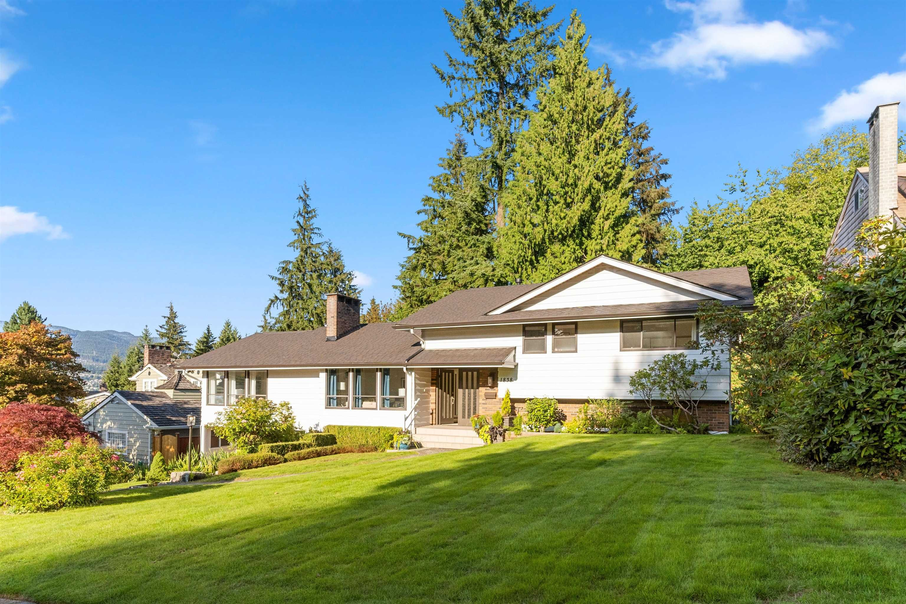 """Main Photo: 1838 HARBOUR Drive in Coquitlam: Harbour Place House for sale in """"Harbour Chines"""" : MLS®# R2618895"""