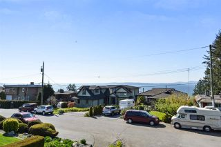 """Photo 11: 14233 MAGDALEN Avenue: White Rock House for sale in """"West White Rock"""" (South Surrey White Rock)  : MLS®# R2262291"""