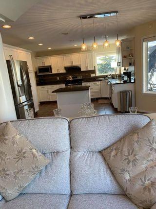 Photo 12: 8918 159A Avenue in Edmonton: Zone 28 Attached Home for sale : MLS®# E4228957