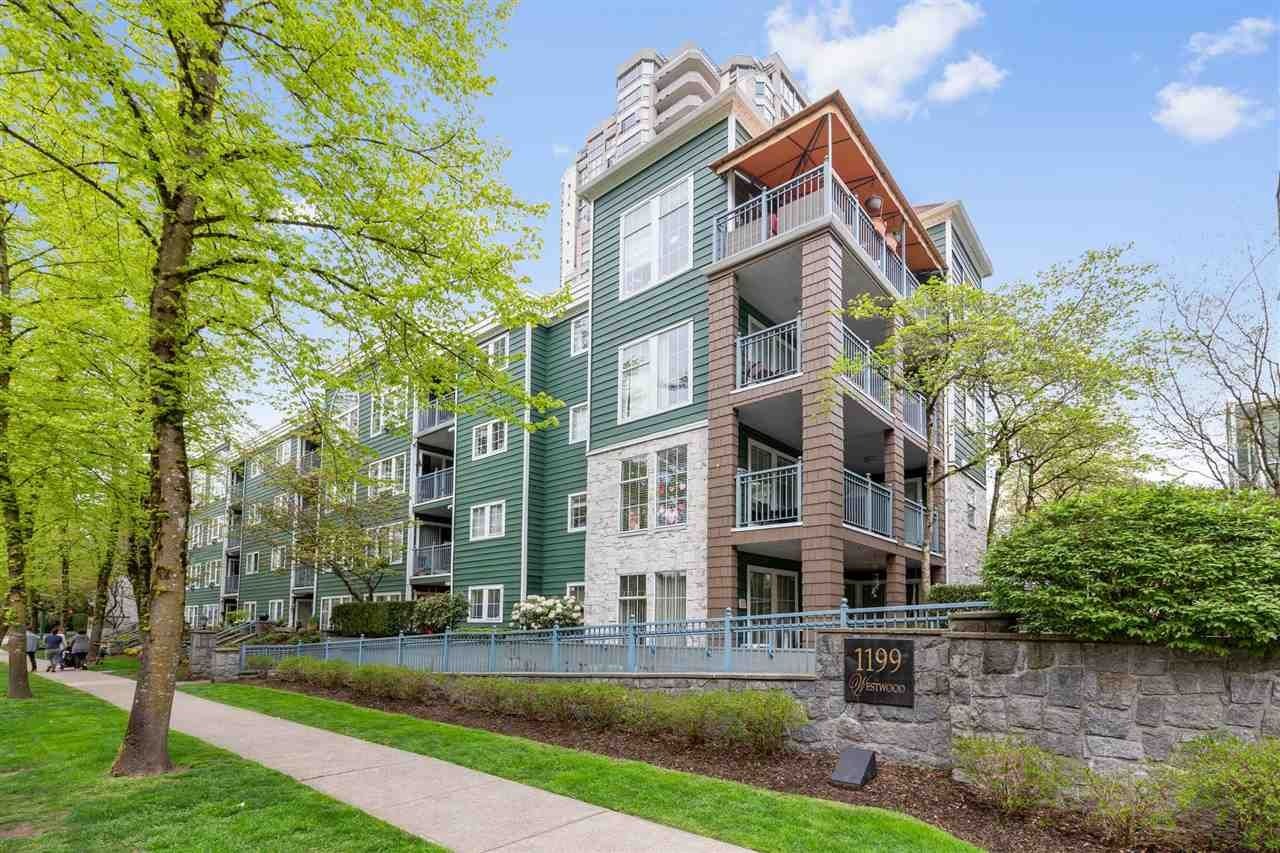 """Main Photo: 102 1199 WESTWOOD Street in Coquitlam: North Coquitlam Condo for sale in """"LAKESIDE TERRACE"""" : MLS®# R2452323"""
