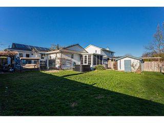 Photo 2: 20160 CHIGWELL Street in Maple Ridge: Southwest Maple Ridge House for sale : MLS®# R2437868