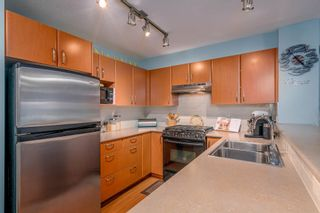"Photo 9: 115 4723 DAWSON Street in Burnaby: Brentwood Park Condo for sale in ""COLLAGE"" (Burnaby North)  : MLS®# R2212643"