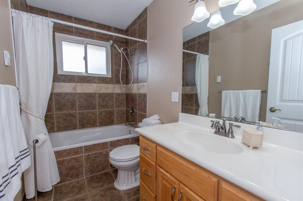 Photo 17: Photos: 1039 Hunterdale Place NW in Calgary: Huntington Hills Detached for sale : MLS®# A1144126