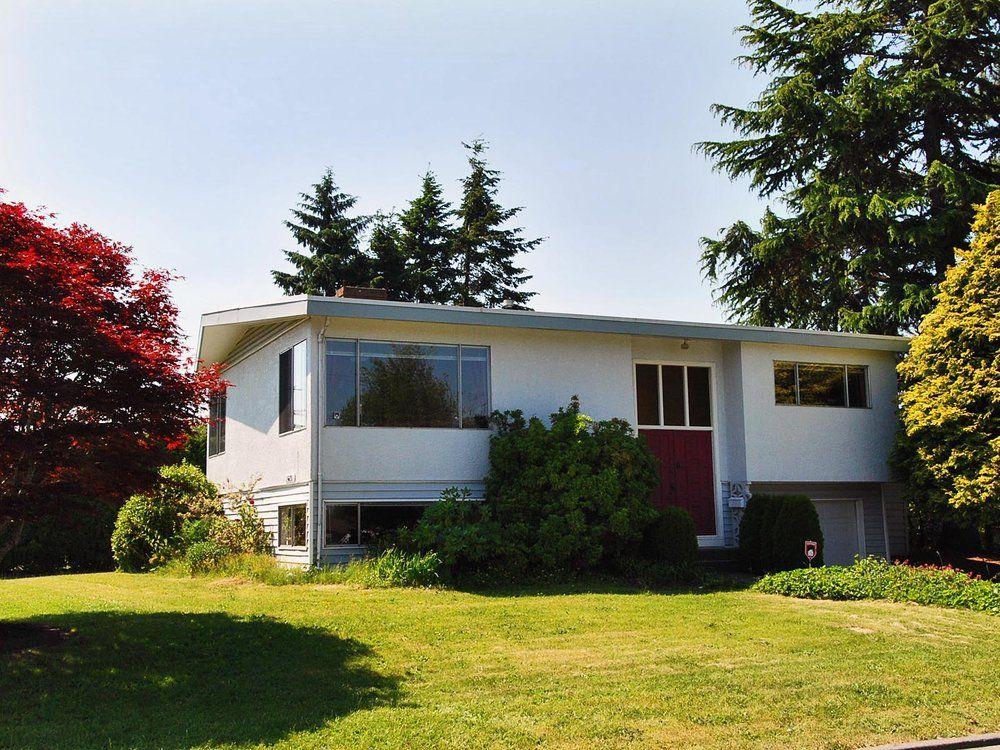 Main Photo: 15631 Roper Avenue in White Rock: Home for sale : MLS®# F2912388
