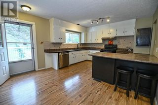 Photo 4: 315 1 Avenue in Drumheller: House for sale : MLS®# A1106452