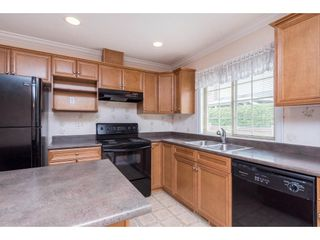 """Photo 3: 54 6887 SHEFFIELD Way in Chilliwack: Sardis East Vedder Rd Townhouse for sale in """"Parksfield"""" (Sardis)  : MLS®# R2580662"""