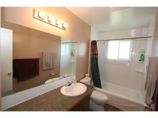 Photo 12: 1111 HUNTERSTON Road NW in CALGARY: Huntington Hills Residential Detached Single Family for sale (Calgary)  : MLS®# C3624233