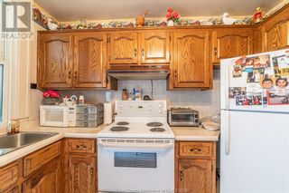 Photo 12: 983 BRUCE AVENUE in Windsor: House for sale : MLS®# 21017482