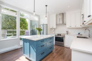 """Photo 6: 411 2628 YEW Street in Vancouver: Kitsilano Condo for sale in """"Connaught Place"""" (Vancouver West)  : MLS®# R2377344"""