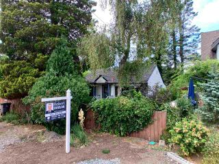 "Photo 2: 12183 AGAR Street in Surrey: Crescent Bch Ocean Pk. House for sale in ""Crescent Beach"" (South Surrey White Rock)  : MLS®# R2388209"
